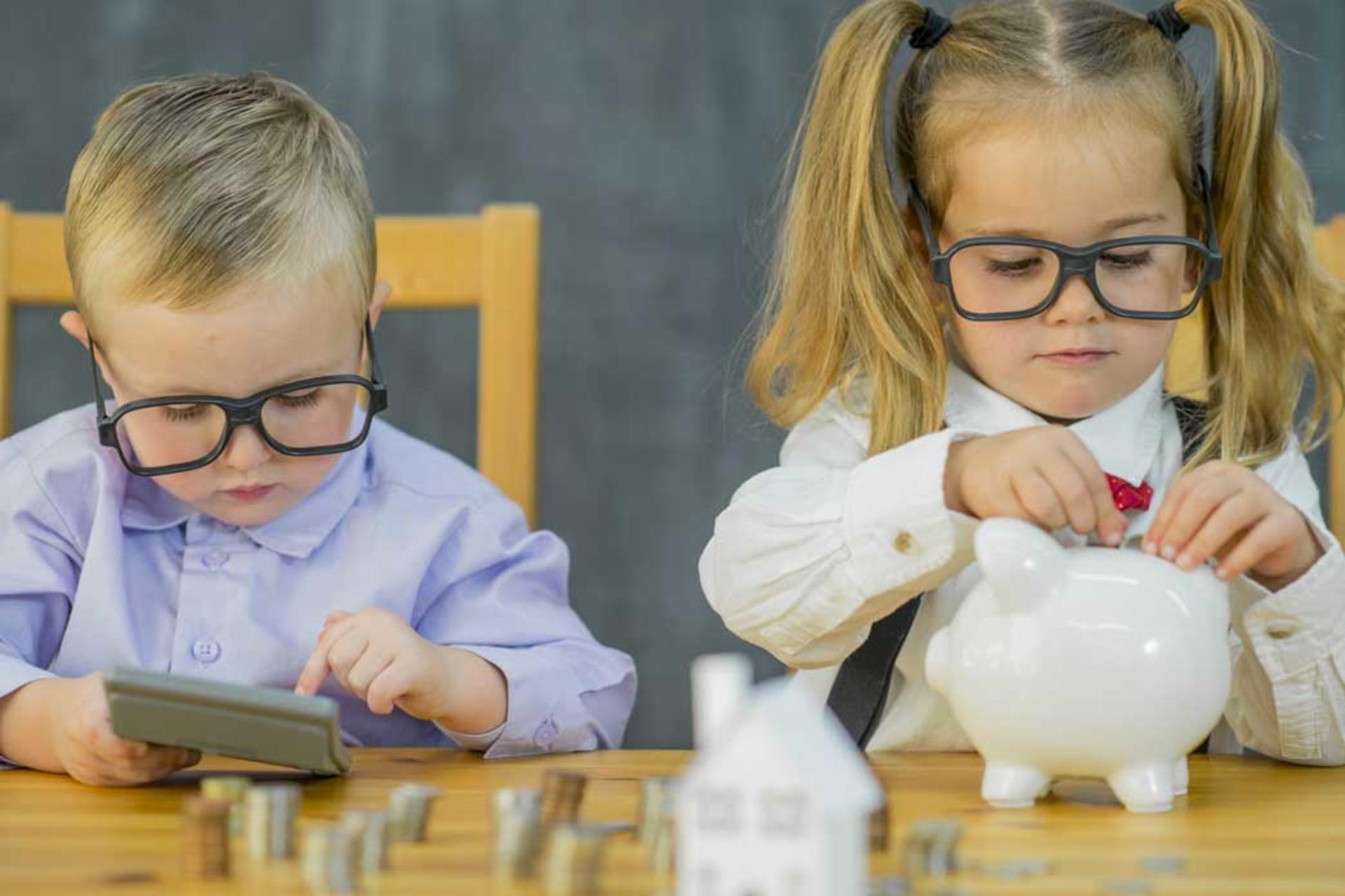 Image d'enfants avec des lunettes